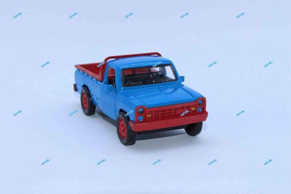 ماشین فلزی وانت نیسان آبی جرثقیلدار سپر قرمز